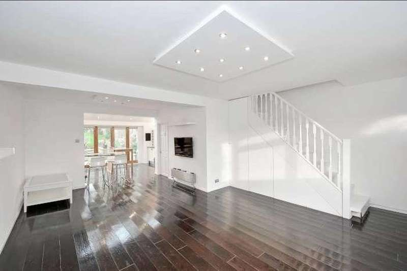 3 Bedrooms Terraced House for sale in Goldings Road, Loughton, IG10
