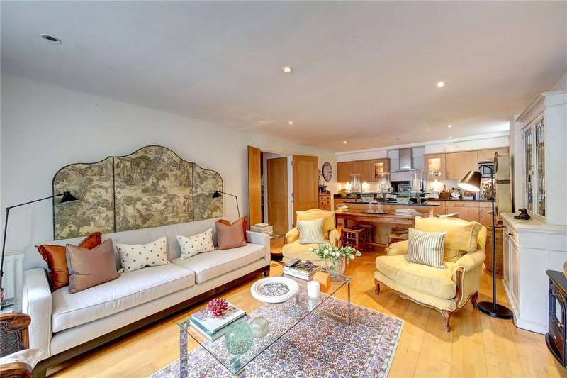 2 Bedrooms Flat for sale in Hightrees, 9 Queensmere Road, Wimbledon, London, SW19