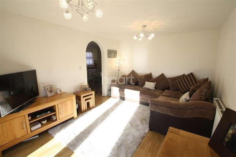 2 Bedrooms Flat for rent in Goldstraw Lane, Fernwood