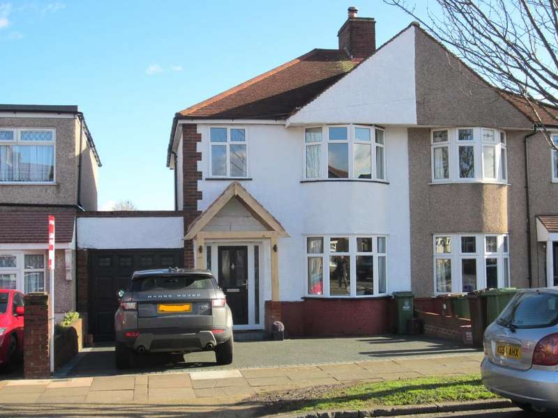 3 Bedrooms Semi Detached House for sale in Burnt Oak Lane, Sidcup DA15