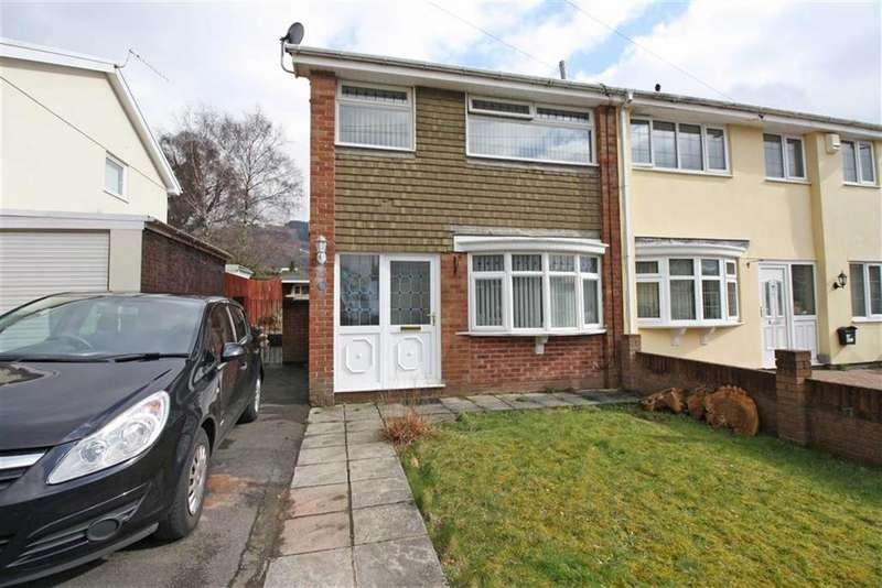 3 Bedrooms Semi Detached House for sale in Pinecroft Avenue, Cwmbach, Aberdare, Mid Glamorgan
