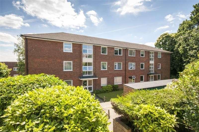 2 Bedrooms Flat for rent in Gravel Hill Close Bexleyheath DA6