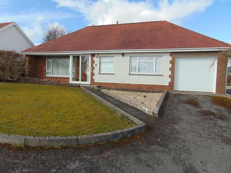3 Bedrooms Detached Bungalow for sale in 11 Heol Hen, Five Roads, Llanelli, Carms