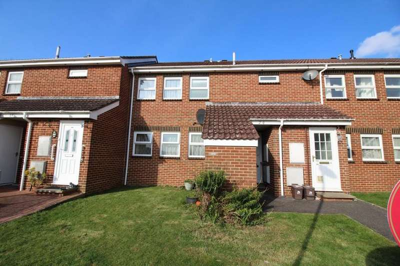 2 Bedrooms Flat for sale in The Spinney, Lytchett Matravers