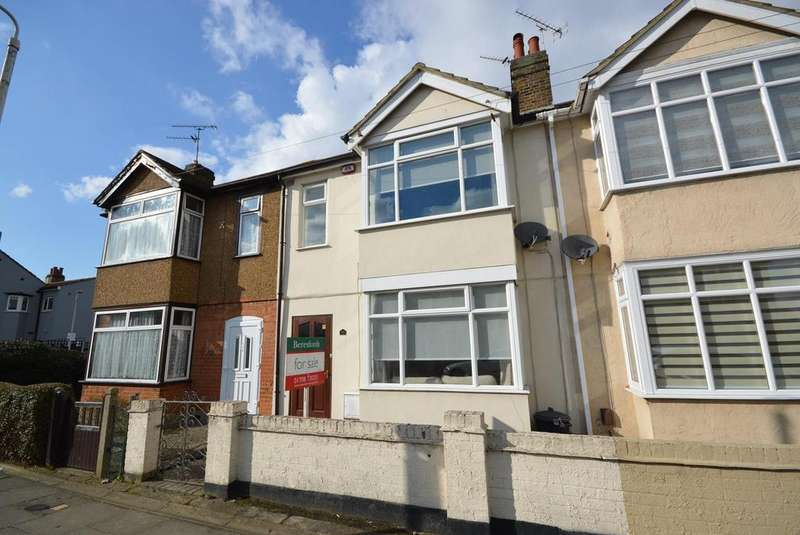 3 Bedrooms Terraced House for sale in Oak Street, Romford, RM7
