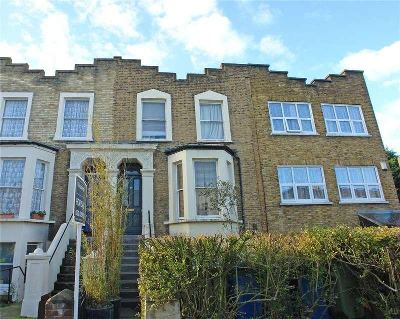 2 Bedrooms Flat for sale in Fenwick Road, Peckham Rye, London, SE15