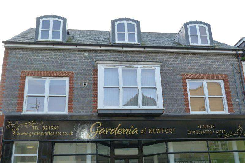 2 Bedrooms Apartment Flat for sale in St James Street, Newport