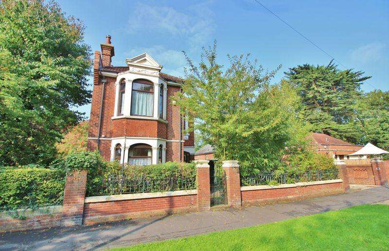 3 Bedrooms Detached House for sale in Copnor Road, Portsmouth