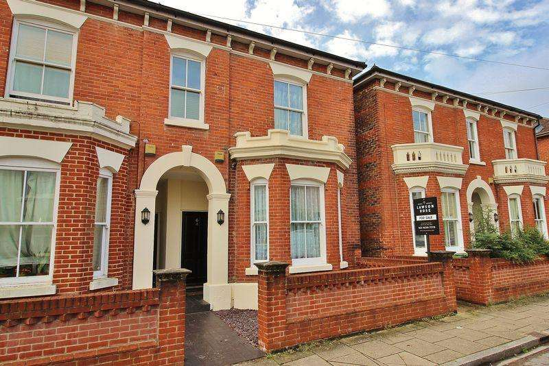 4 Bedrooms Semi Detached House for sale in Cavendish Road, Southsea