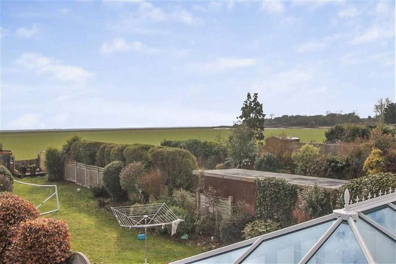 3 Bedrooms Semi Detached House for sale in Point Clear Road, St Osyth