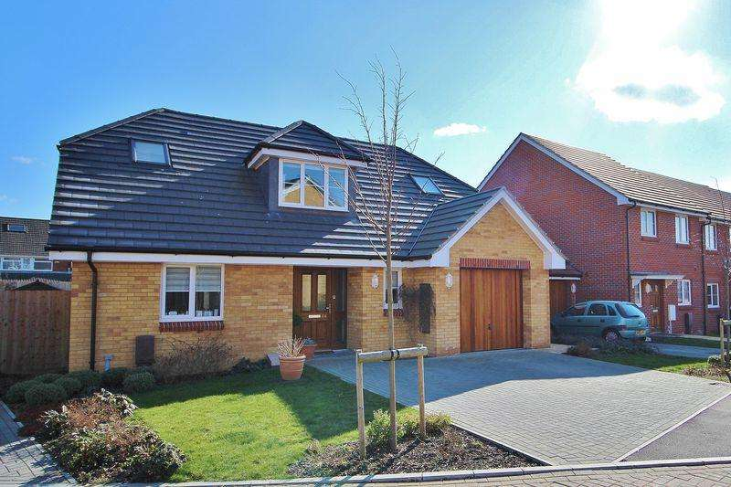 3 Bedrooms Detached House for sale in South Downs Rise, Bedhampton