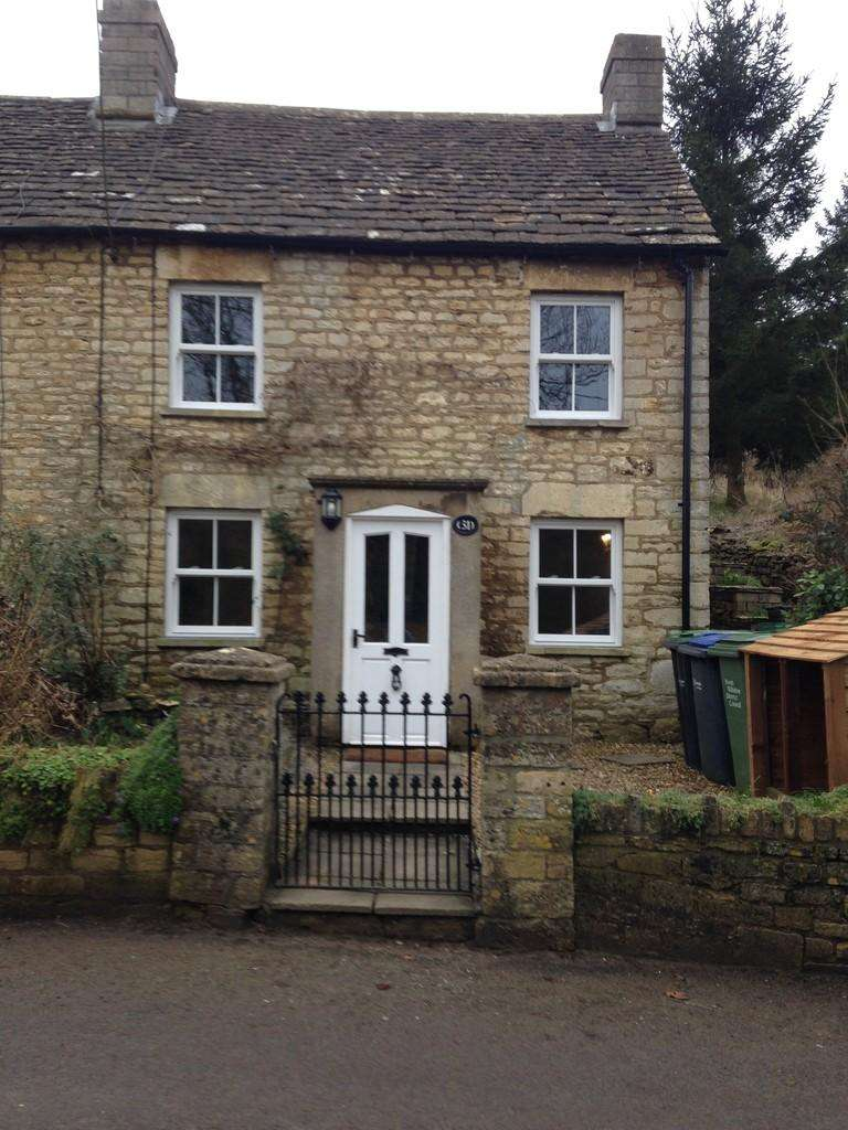 2 Bedrooms Semi Detached House for rent in Bustlers Hill, Wiltshire