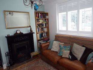 2 Bedrooms Terraced House for sale in Higham Road, Cliffe, Rochester, Kent