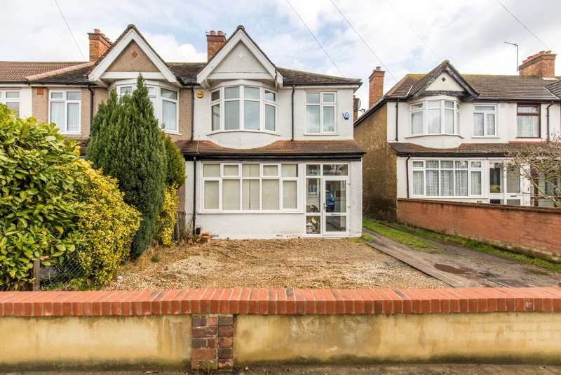 3 Bedrooms End Of Terrace House for sale in Upper Elmers End Road, Beckenham