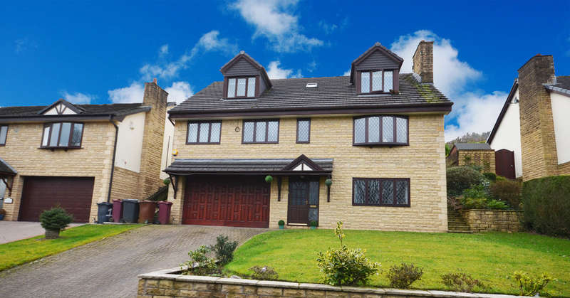 5 Bedrooms Detached House for sale in Willowbank Lane, Darwen
