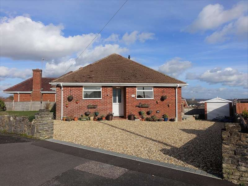 2 Bedrooms Detached Bungalow for sale in Solent Drive, Hythe