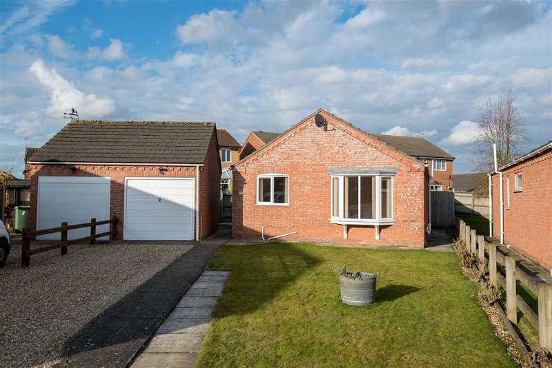 3 Bedrooms Bungalow for sale in Monks Road, Swineshead, Boston