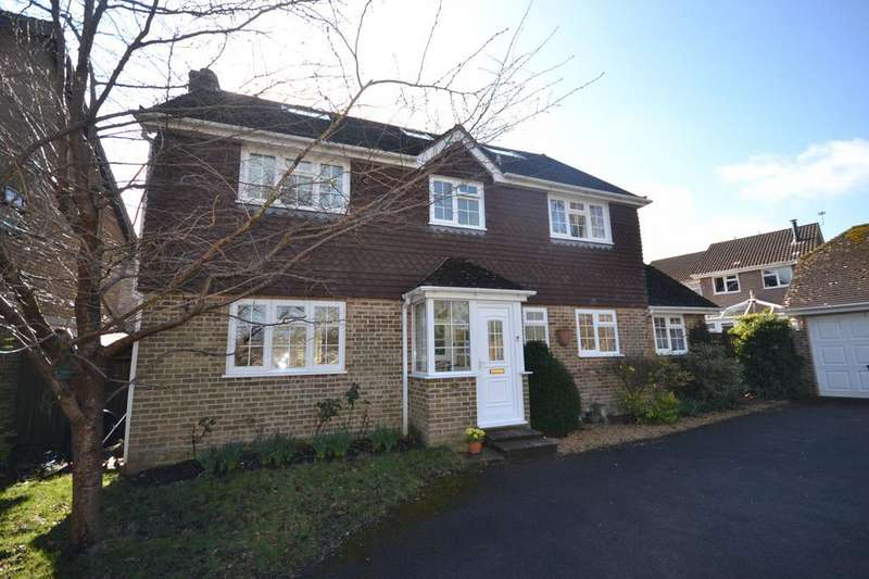 6 Bedrooms Detached House for sale in Nightingale Close, Rowland's Castle, PO9