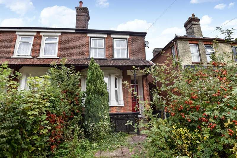 4 Bedrooms House for rent in Hughenden Road, High Wycombe, HP13