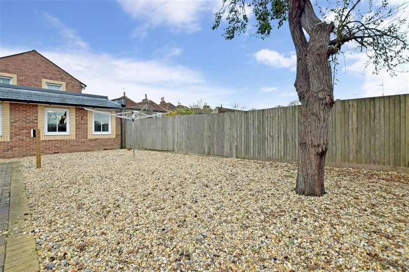 2 Bedrooms Apartment Flat for sale in North Street, Emsworth, Hampshire