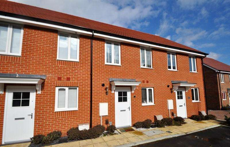 2 Bedrooms Terraced House for sale in Bailey Close, Picket Piece, Andover