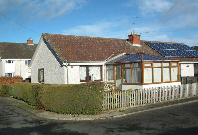 2 Bedrooms Semi Detached House for sale in 18 The Glebe, Duns, TD11 3QU