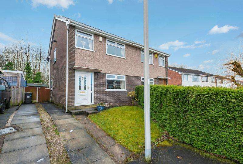 3 Bedrooms Semi Detached House for sale in Cartmell Close, Runcorn