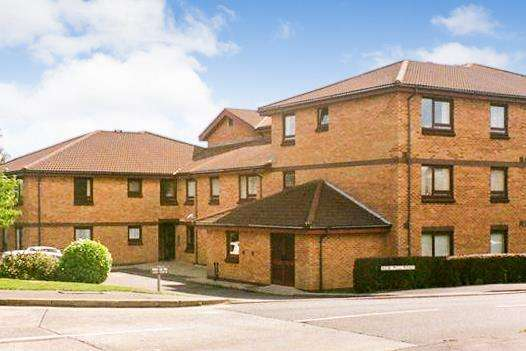 1 Bedroom Apartment Flat for sale in Parklands Court, Sketty, Swansea
