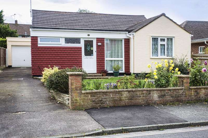 3 Bedrooms Detached Bungalow for sale in Three Acres, Horsham