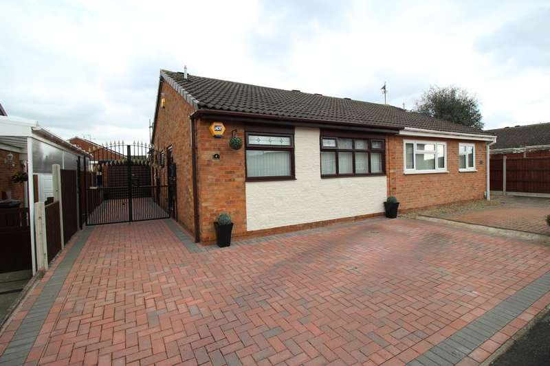 2 Bedrooms Semi Detached Bungalow for sale in Wessex Close, Bedworth, CV12