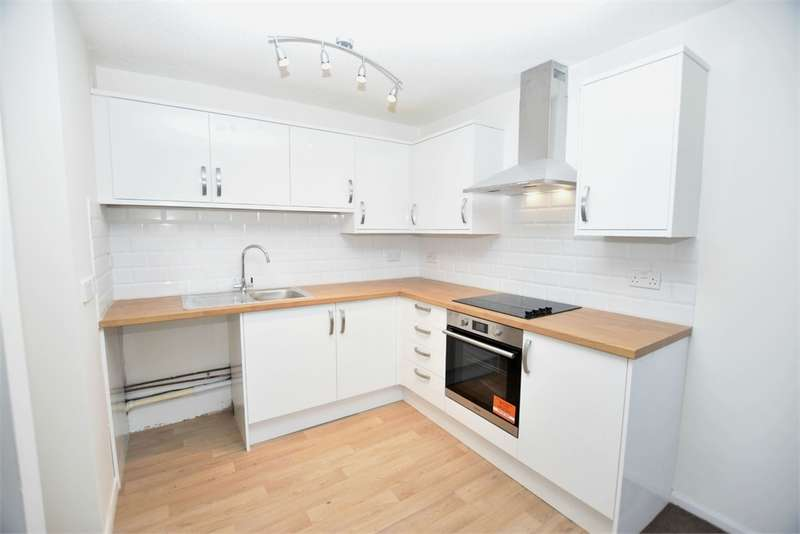 Flat for rent in North Street, Nailsea, Bristol, Somerset