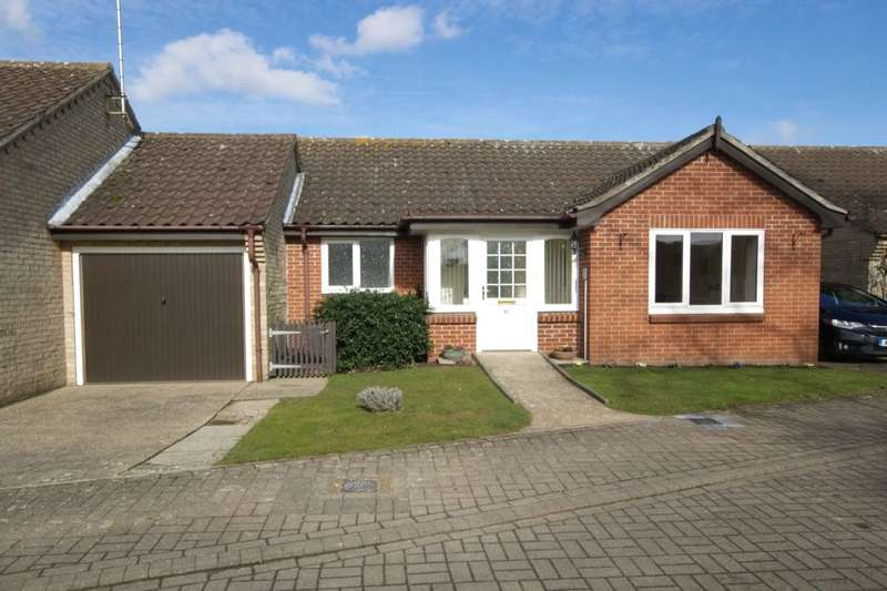2 Bedrooms Bungalow for sale in Catton Court St. Faiths Road, Old Catton , Norwich, NR6