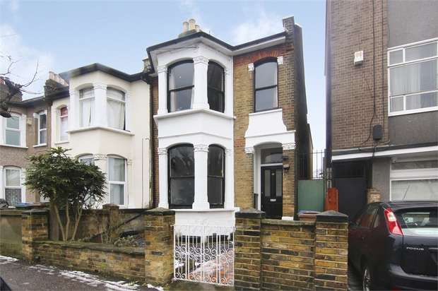 2 Bedrooms Flat for sale in Greenleaf Road, Walthamstow, London