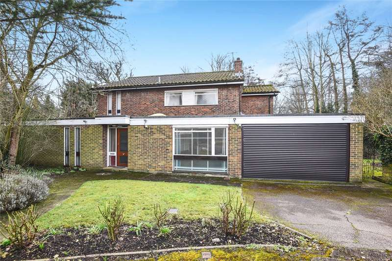 4 Bedrooms Detached House for sale in Dearne Close, Stanmore, Middlesex, HA7