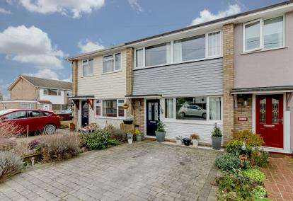 3 Bedrooms Terraced House for sale in Benfleet, Essex, Uk