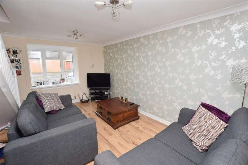 2 Bedrooms Semi Detached House for sale in Westminster Way, Banbury