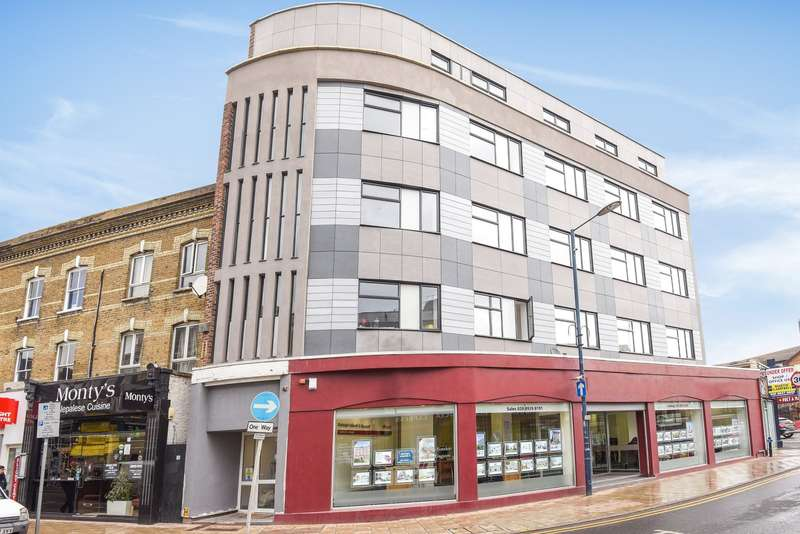 3 Bedrooms Flat for sale in Kingston Upon Thames