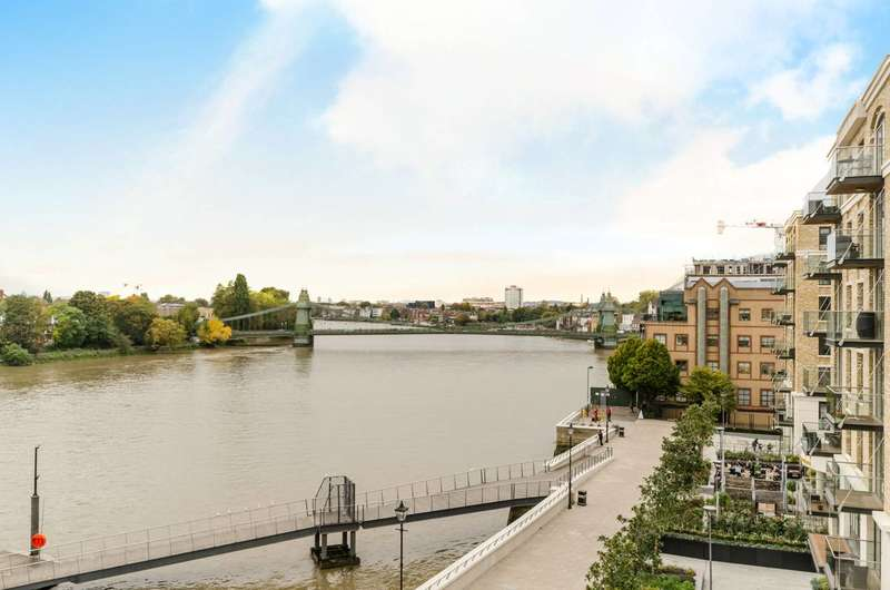3 Bedrooms Flat for rent in Fulham Reach, Fulham, W6