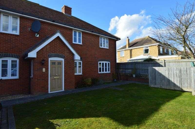 2 Bedrooms Property for rent in Amberley Court, Fareham
