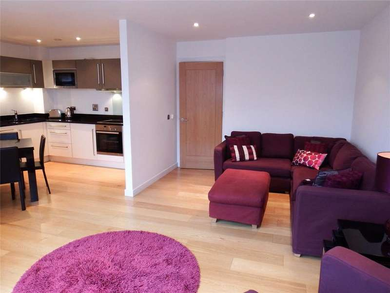 2 Bedrooms Flat for rent in Wharf Approach, Leeds, West Yorkshire, LS1
