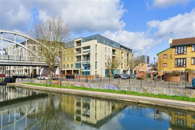 4 Bedrooms Flat for rent in Dunston Road, Dalston