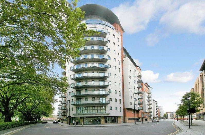 2 Bedrooms Penthouse Flat for sale in Southampton