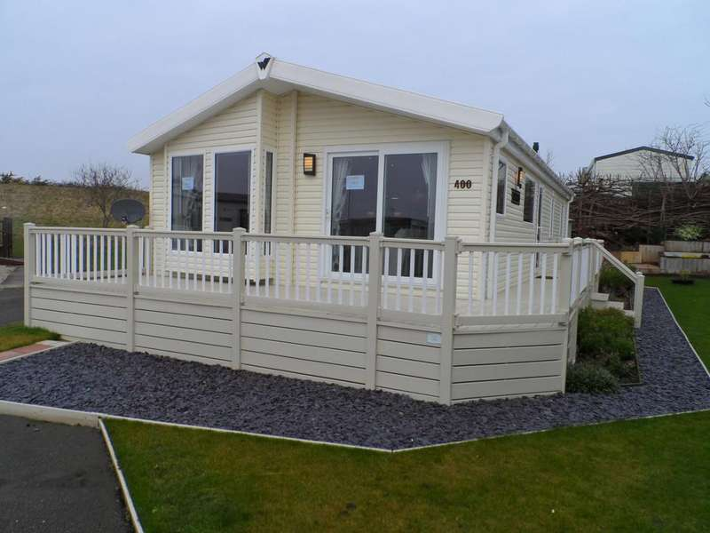 2 Bedrooms Park Home Mobile Home for sale in Naze Marine, Walton on the Naze