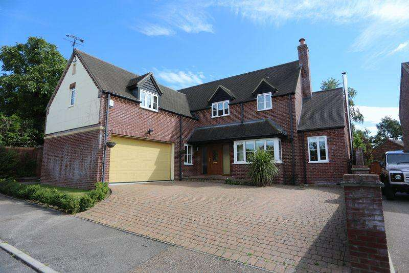 4 Bedrooms Detached House for sale in The Row, Sutton