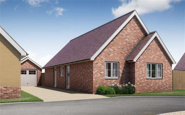 3 Bedrooms Detached Bungalow for sale in Springfield Meadows, Little Clacton, Clacton on Sea