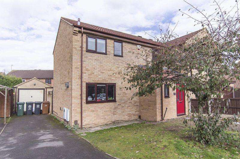 3 Bedrooms Semi Detached House for sale in QUICKHILL ROAD, STENSON FIELDS.