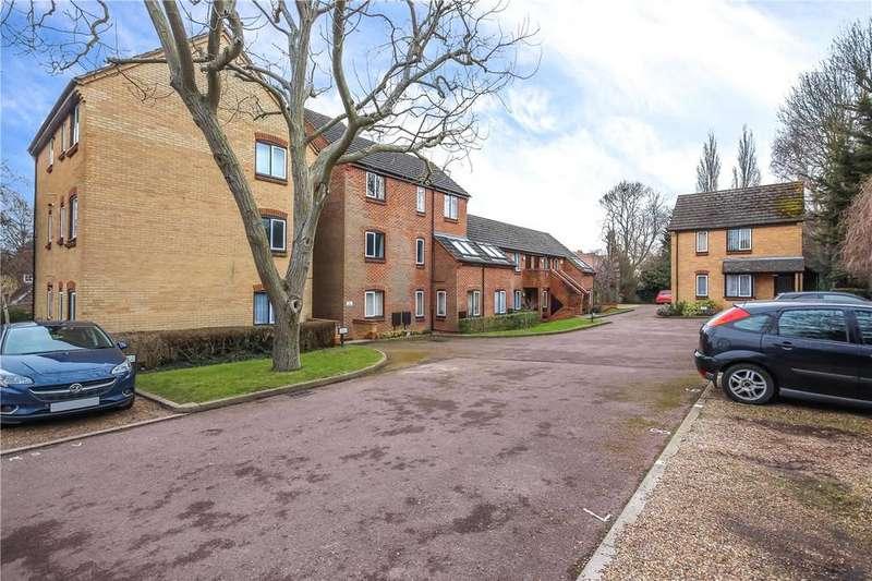 1 Bedroom Flat for sale in The Putterills, Harpenden, Hertfordshire