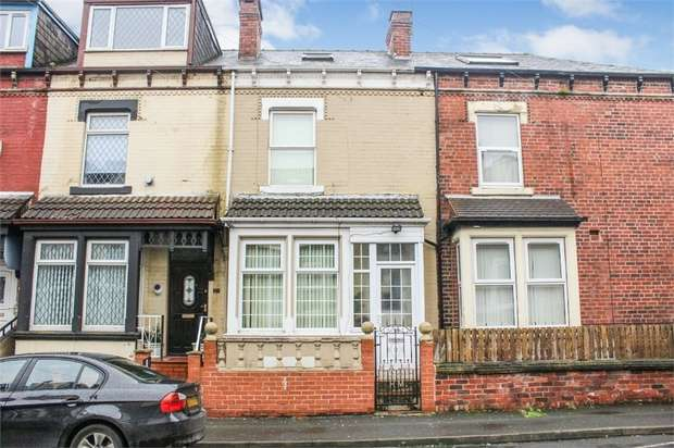 4 Bedrooms Terraced House for sale in Airlie Place, Leeds, West Yorkshire