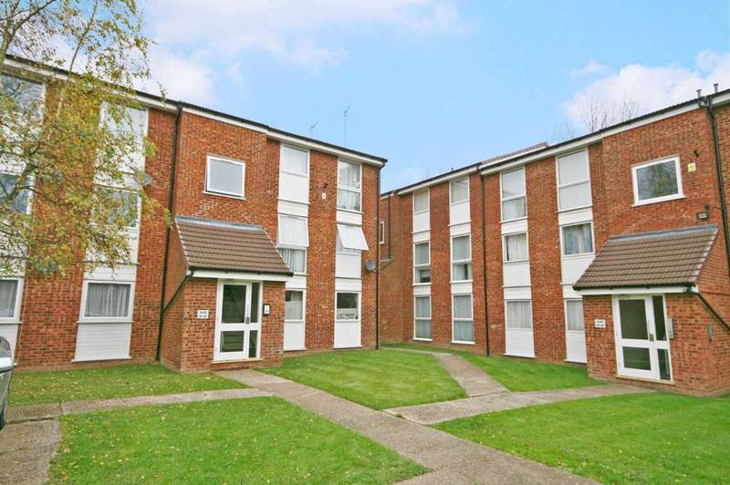 2 Bedrooms Flat for sale in Woodhall Farm