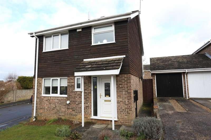 3 Bedrooms Link Detached House for sale in Muirfield Road, Wellingborough